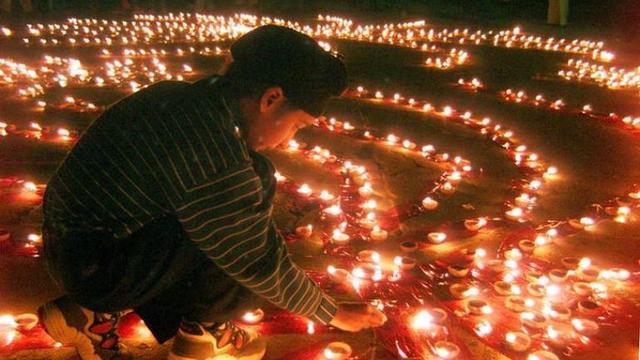 10 Lines On Diwali In English 1 Liner Short Sentences Inspiring Wishes