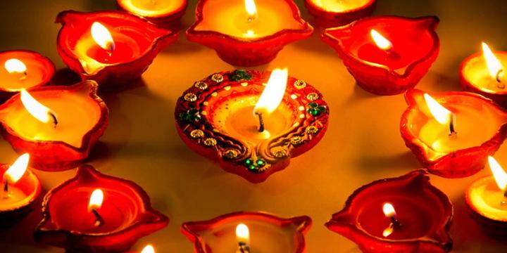 Only Diyas - Green Diwali